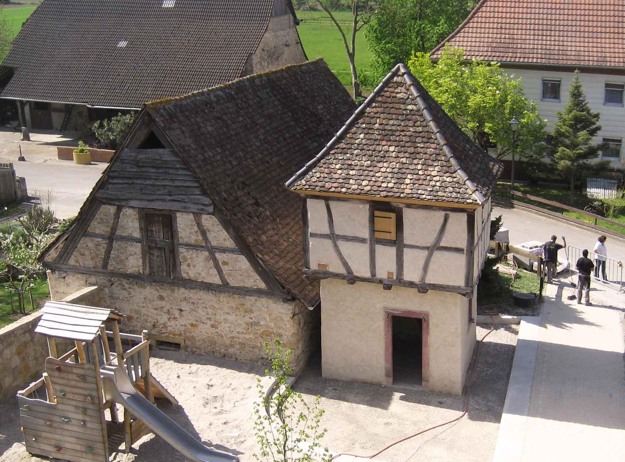Der fertige Taubenturm in Grezhausen