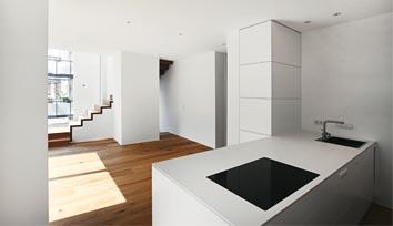 Eine neue und moderne Küche in einer Altbauwohnung in Freiburg Wiehre