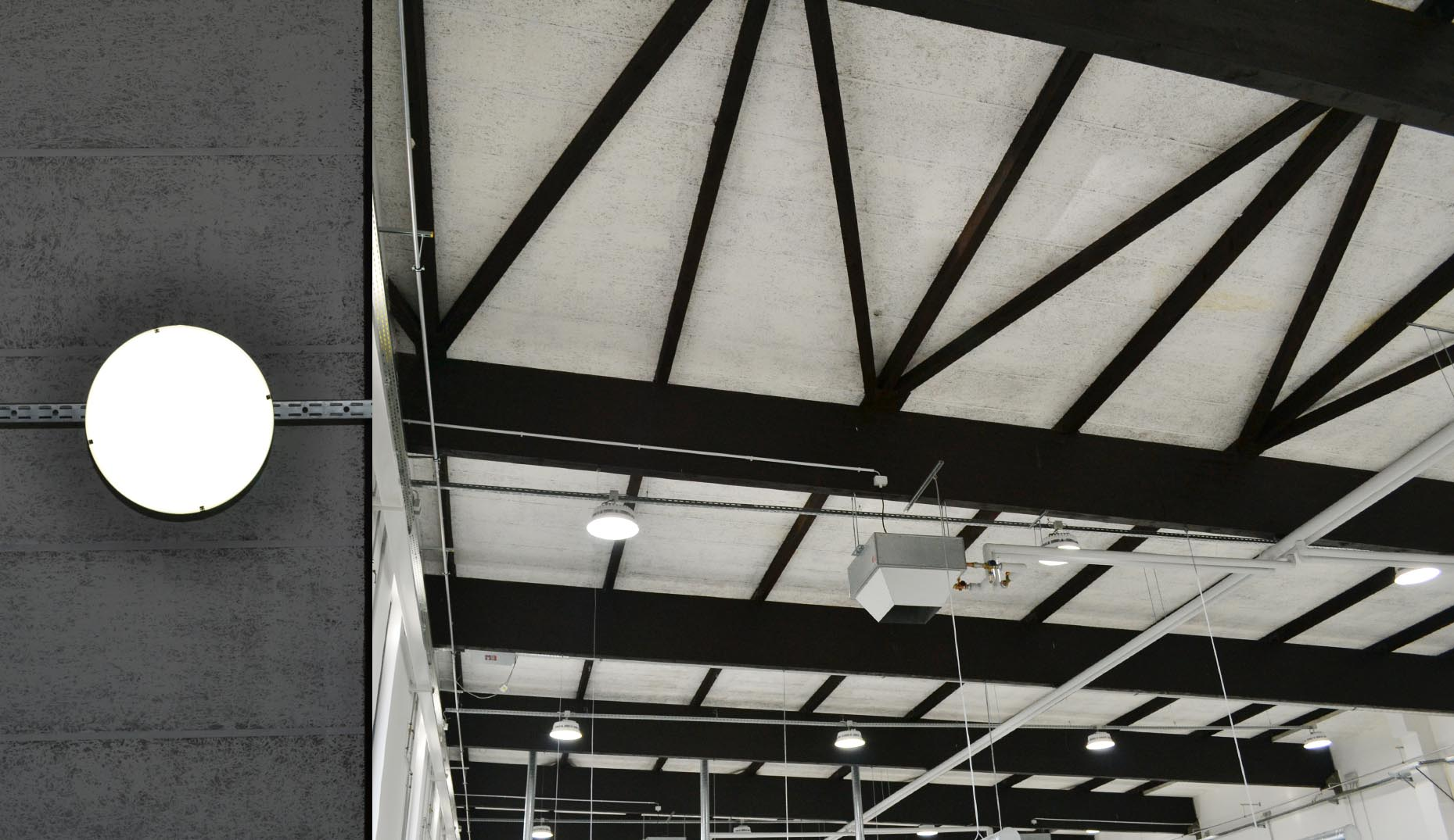 Ein Bild der Dachstruktur einer Industriehalle