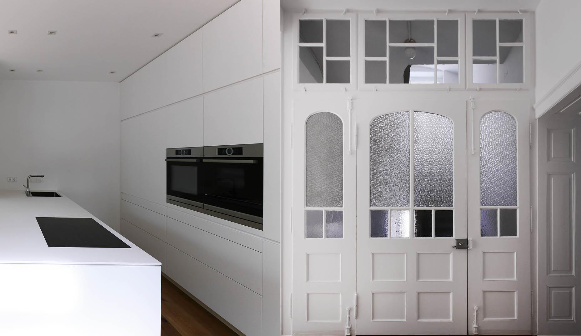 Ein renovierter Eingangsbereich in einer Wohnung in Freiburg Wiehre von Architekten für Freiburg und Umland