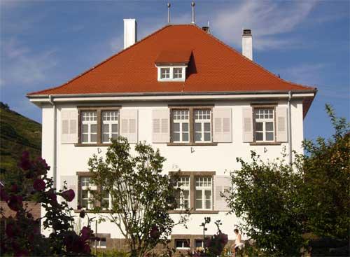 Das Pfarrhaus Oberbergen, welches von Sennrich und Schneider GmbB saniert worden ist